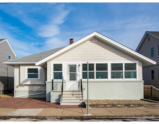 Maison unifamiliale pour l Vente à 108 Grand View Avenue 108 Grand View Avenue Winthrop, Massachusetts 02152 États-Unis