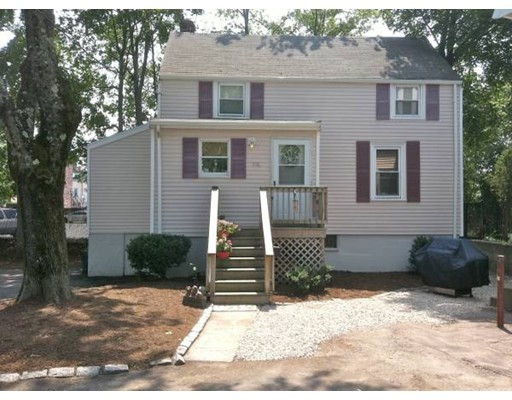 واحد منزل الأسرة للـ Rent في 988 East St. #1 988 East St. #1 Walpole, Massachusetts 02081 United States