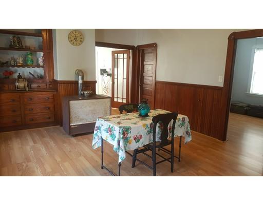 独户住宅 为 出租 在 33 George Street New Bedford, 马萨诸塞州 02744 美国