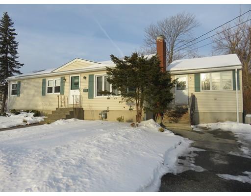واحد منزل الأسرة للـ Sale في 11 East Sheppard Lane 11 East Sheppard Lane Chelmsford, Massachusetts 01824 United States