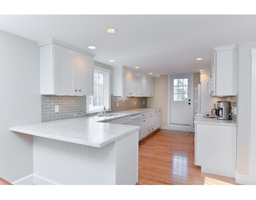 تاون هاوس للـ Rent في 125 Nichols Road #3 125 Nichols Road #3 Cohasset, Massachusetts 02025 United States
