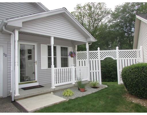 共管式独立产权公寓 为 销售 在 92 Furnace Ave #90 92 Furnace Ave #90 Stafford, 康涅狄格州 06076 美国