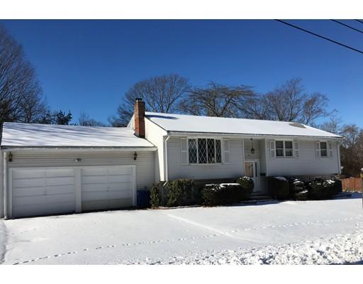 Частный односемейный дом для того Продажа на 119 Lisle Street 119 Lisle Street Braintree, Массачусетс 02184 Соединенные Штаты