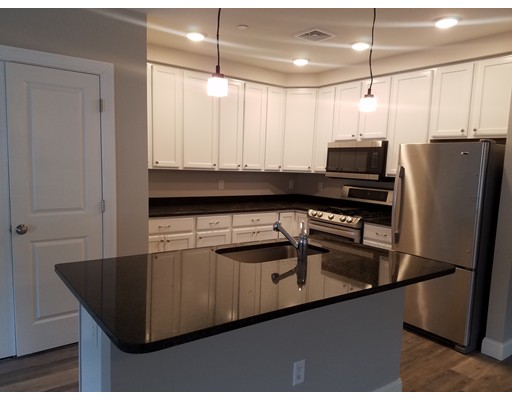 شقة للـ Rent في 40 Ames Ave #301 40 Ames Ave #301 Canton, Massachusetts 02021 United States