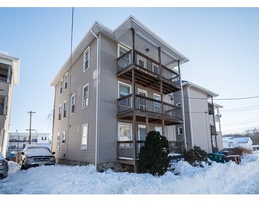 Casa Multifamiliar por un Venta en 12 Sweet Avenue 12 Sweet Avenue Woonsocket, Rhode Island 02895 Estados Unidos