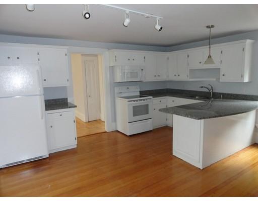 متعددة للعائلات الرئيسية للـ Sale في 43 Washington Street 43 Washington Street Ayer, Massachusetts 01432 United States