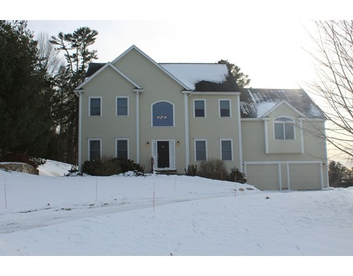 Single Family Home for Sale at 31 Meadow Lane 31 Meadow Lane Southborough, Massachusetts 01772 United States
