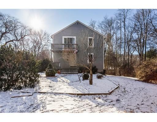 Casa Unifamiliar por un Venta en 22 Burt Street 22 Burt Street Berkley, Massachusetts 02779 Estados Unidos