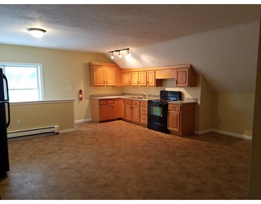 Квартира для того Аренда на 206 Central #3 206 Central #3 Winchendon, Массачусетс 01475 Соединенные Штаты