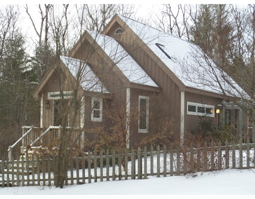 Single Family Home for Sale at 47 Murphy Road 47 Murphy Road North Brookfield, Massachusetts 01535 United States