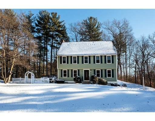 Single Family Home for Sale at 2 Silver Mine Lane 2 Silver Mine Lane Georgetown, Massachusetts 01833 United States