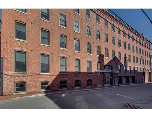 Commercial for Rent at 7 Prince Place 7 Prince Place Newburyport, Massachusetts 01950 United States