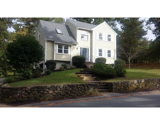 Casa Unifamiliar por un Venta en 14 Upton Hills Lane Middleton, Massachusetts 01949 Estados Unidos