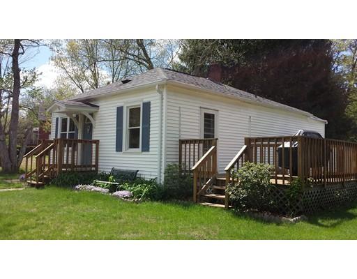 Maison unifamiliale pour l Vente à 84 Old Turnpike 84 Old Turnpike Thompson, Connecticut 06277 États-Unis