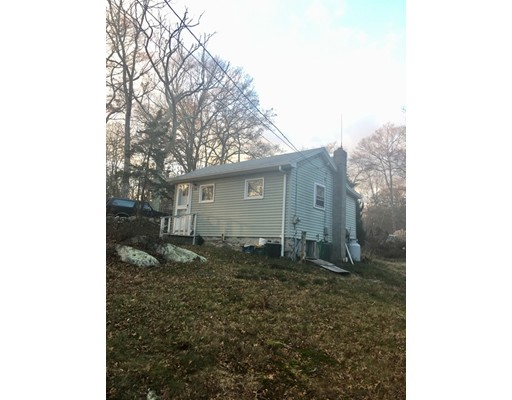Single Family Home for Sale at 199 King Road 199 King Road Tiverton, Rhode Island 02878 United States