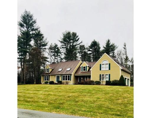 独户住宅 为 销售 在 106 Darrington Drive 106 Darrington Drive Raynham, 马萨诸塞州 02767 美国