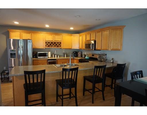 Appartement en copropriété pour l Vente à 13 Sunshine Dr #B 13 Sunshine Dr #B Hudson, New Hampshire 03051 États-Unis