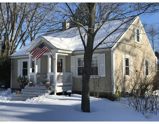 Single Family Home for Sale at 11 School Street 11 School Street Hudson, New Hampshire 03051 United States