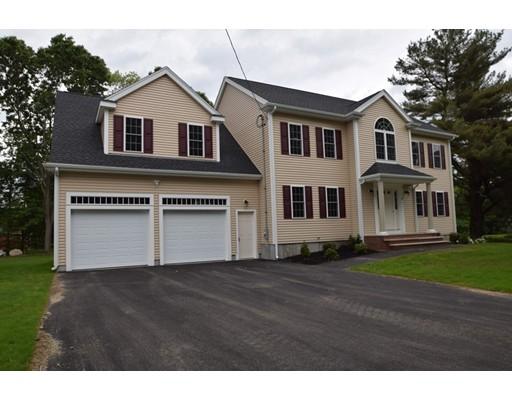 独户住宅 为 销售 在 11 Country Way 11 Country Way 伦道夫, 马萨诸塞州 02368 美国