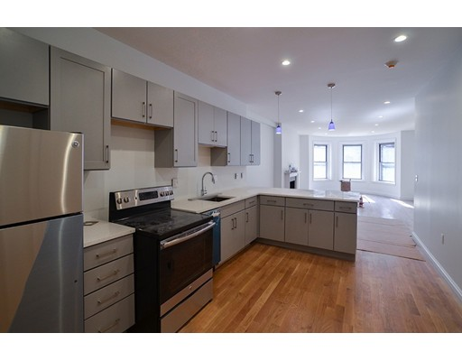 Single Family Home for Rent at 175 Newbury Street Boston, 02116 United States