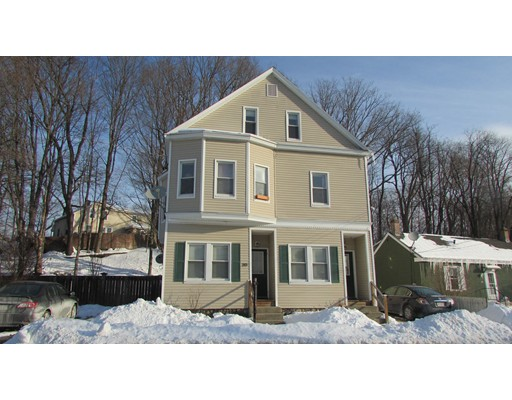 Casa Multifamiliar por un Venta en 30 Fredonian Street 30 Fredonian Street Shirley, Massachusetts 01464 Estados Unidos
