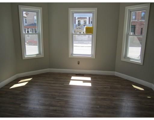 独户住宅 为 出租 在 267 W 6th Street Lowell, 01850 美国
