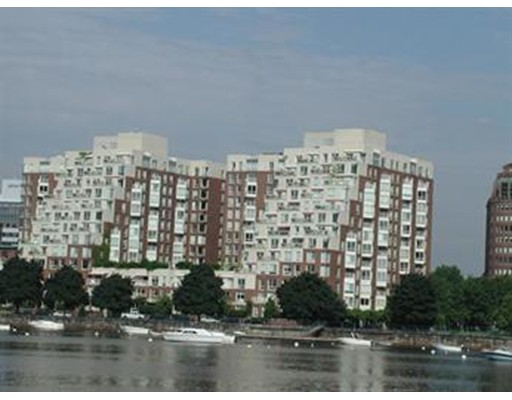 Condominio por un Alquiler en 75 Cambridge Pkwy #104 75 Cambridge Pkwy #104 Cambridge, Massachusetts 02142 Estados Unidos