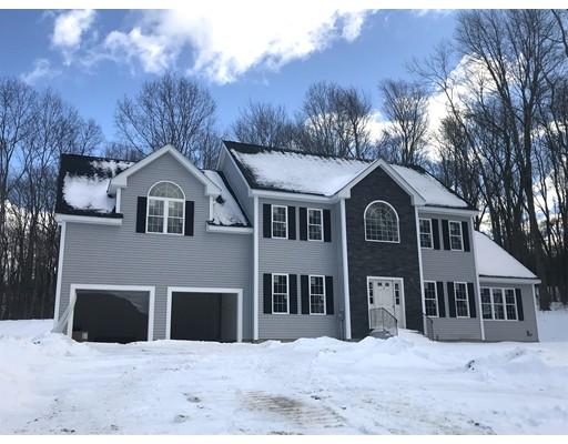 Частный односемейный дом для того Продажа на 1 Whitetail Run 1 Whitetail Run Auburn, Массачусетс 01501 Соединенные Штаты