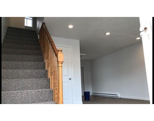 Condominio por un Alquiler en 12 Al Pace #b 12 Al Pace #b North Attleboro, Massachusetts 02760 Estados Unidos