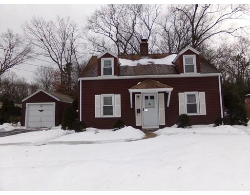 独户住宅 为 销售 在 493 Maple Road 493 Maple Road Longmeadow, 马萨诸塞州 01106 美国