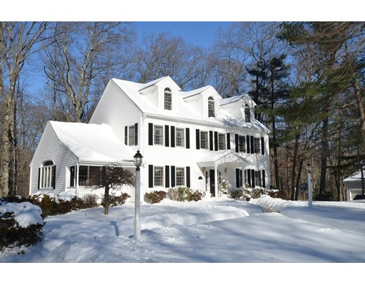 Single Family Home for Sale at 4 Ainsley Drive 4 Ainsley Drive Franklin, Massachusetts 02038 United States
