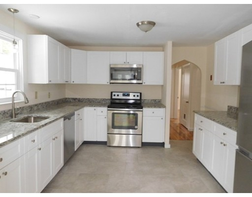 516 Amherst Road, South Hadley, MA, 01075
