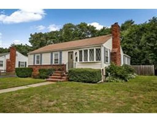 Частный односемейный дом для того Продажа на 145 Livoli Avenue 145 Livoli Avenue Braintree, Массачусетс 02184 Соединенные Штаты