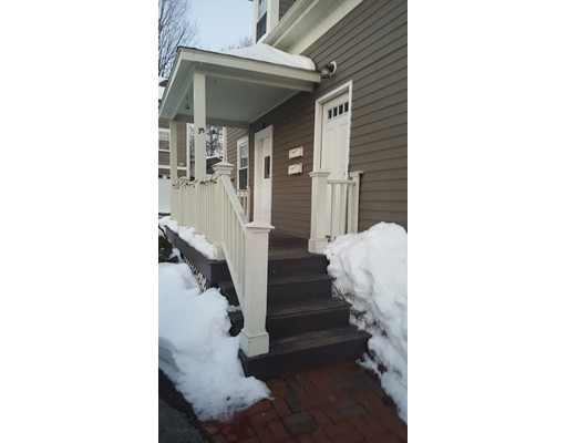 تاون هاوس للـ Rent في 39 Lowell St. #A 39 Lowell St. #A Reading, Massachusetts 01867 United States