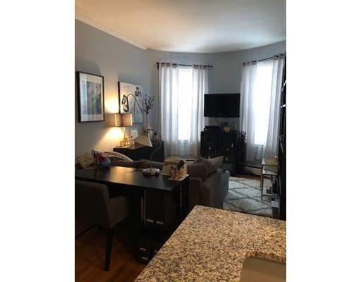 Частный односемейный дом для того Аренда на 15 University 15 University Brookline, Массачусетс 02445 Соединенные Штаты