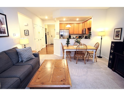 Single Family Home for Rent at 426 John Mahar Hwy 426 John Mahar Hwy Braintree, Massachusetts 02184 United States