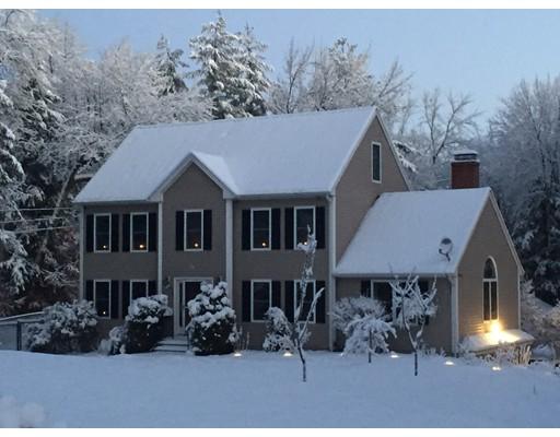 واحد منزل الأسرة للـ Sale في 19 Ventura Drive 19 Ventura Drive Raymond, New Hampshire 03077 United States