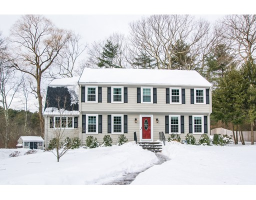 Single Family Home for Sale at 63 Saw Mill Lane 63 Saw Mill Lane Medfield, Massachusetts 02052 United States