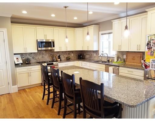 Πολυκατοικία ατομικής ιδιοκτησίας για την Πώληση στο 241 Elliot Street 241 Elliot Street Newton, Μασαχουσετη 02464 Ηνωμενεσ Πολιτειεσ