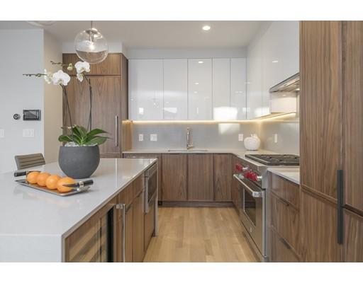 Condomínio para Venda às 10 Gloucester Street 10 Gloucester Street Boston, Massachusetts 02116 Estados Unidos