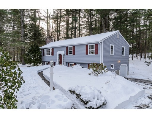 Single Family Home for Sale at 15 Hallett Hill Road 15 Hallett Hill Road Weston, Massachusetts 02493 United States