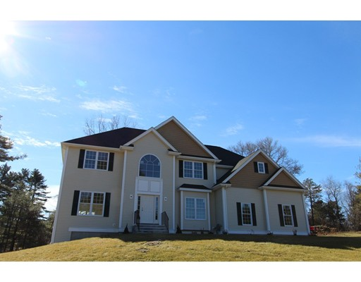 Single Family Home for Sale at 8 Applegate Road 8 Applegate Road Medway, Massachusetts 02053 United States