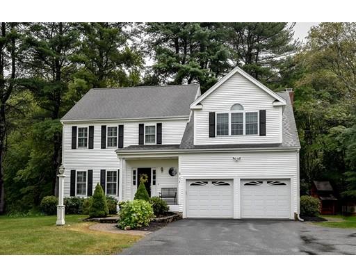 Частный односемейный дом для того Продажа на 17 Elm Street 17 Elm Street Hopkinton, Массачусетс 01748 Соединенные Штаты