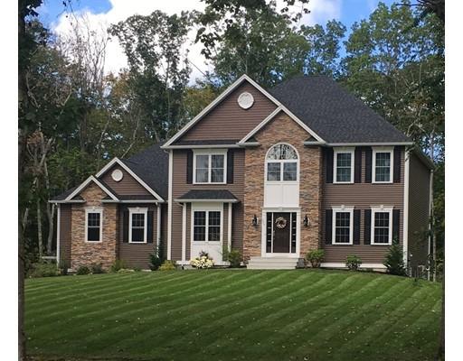 Single Family Home for Sale at 4 Farmland Estates 4 Farmland Estates Seekonk, Massachusetts 02771 United States