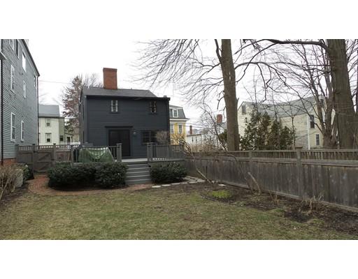 Частный односемейный дом для того Продажа на 19 Kent Street 19 Kent Street Newburyport, Массачусетс 01950 Соединенные Штаты