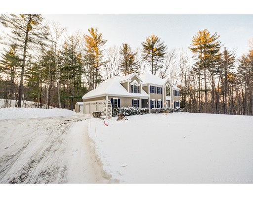 Single Family Home for Sale at 43 Crosby Road 43 Crosby Road Berlin, Massachusetts 01503 United States