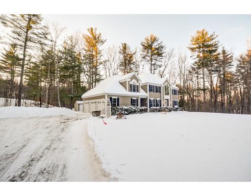 Casa Unifamiliar por un Venta en 43 Crosby Road 43 Crosby Road Berlin, Massachusetts 01503 Estados Unidos