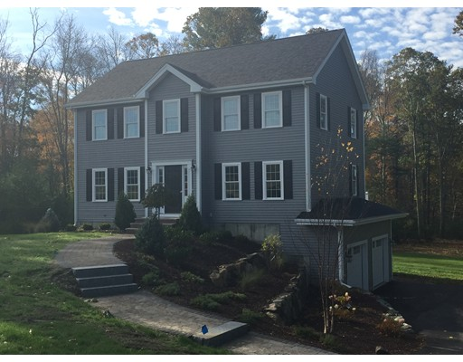 独户住宅 为 销售 在 21 Village Road 21 Village Road 莱克威尔, 马萨诸塞州 02347 美国