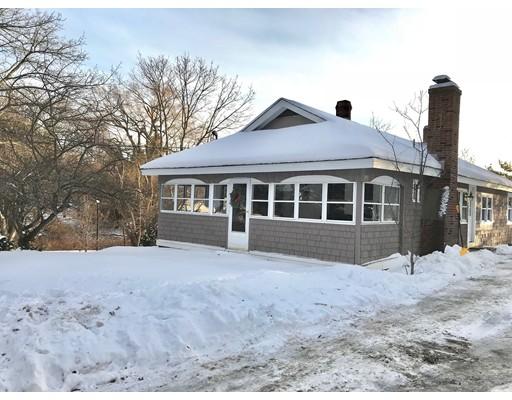 独户住宅 为 销售 在 132 Whitehall Road 132 Whitehall Road Amesbury, 马萨诸塞州 01913 美国