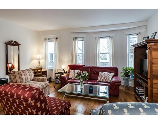 شقة بعمارة للـ Sale في 58 Prince Street 58 Prince Street Brookline, Massachusetts 02445 United States